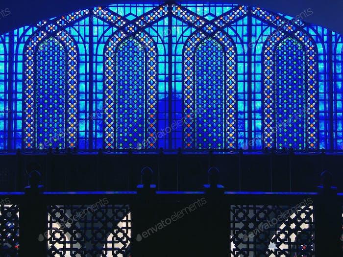 Masjid Sultan Salahuddin Abdul Aziz; blue mosque symmetry geometry; islamic architecture