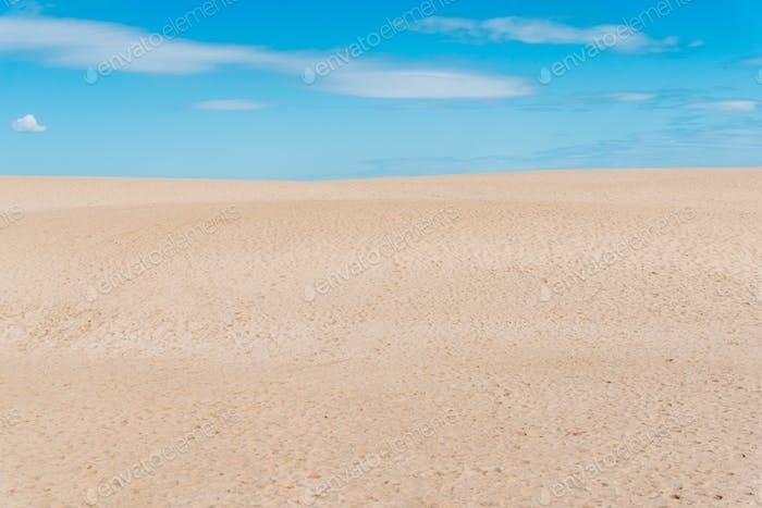 Vista panorámica del paisaje del desierto. Dunas de Corralejo, Islas Canarias, Fuerteventura.
