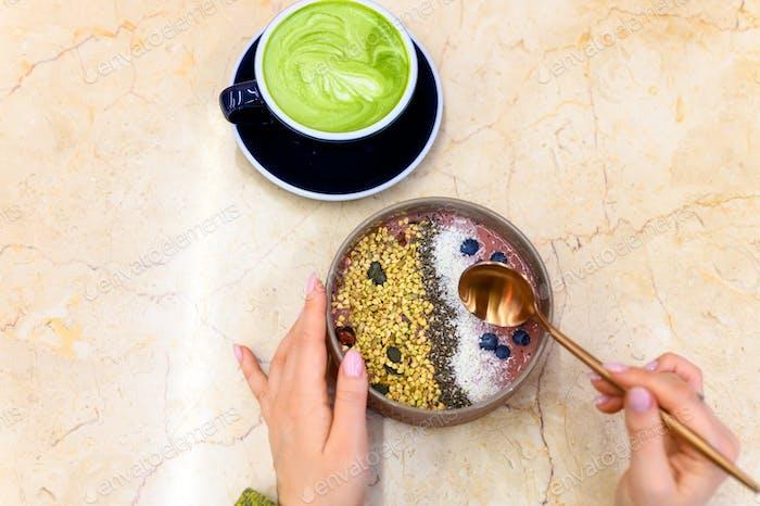 smoothie bowl raw food