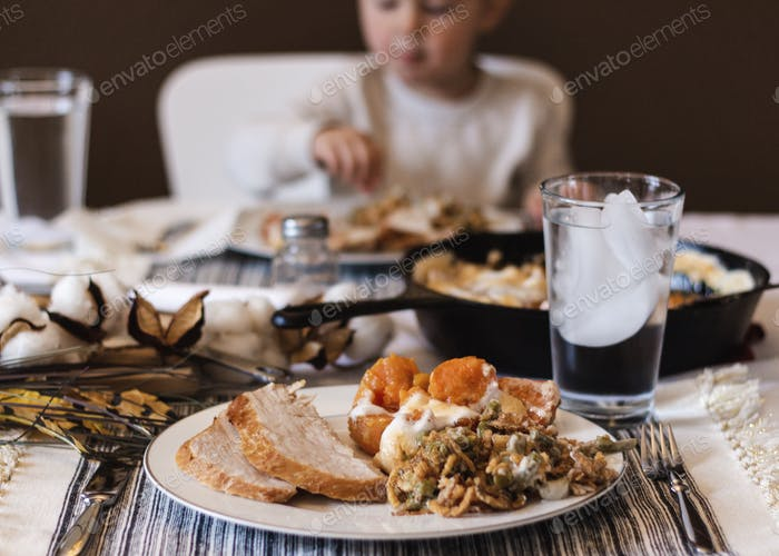 Thanksgiving Speiseteller mit Lebensmitteln