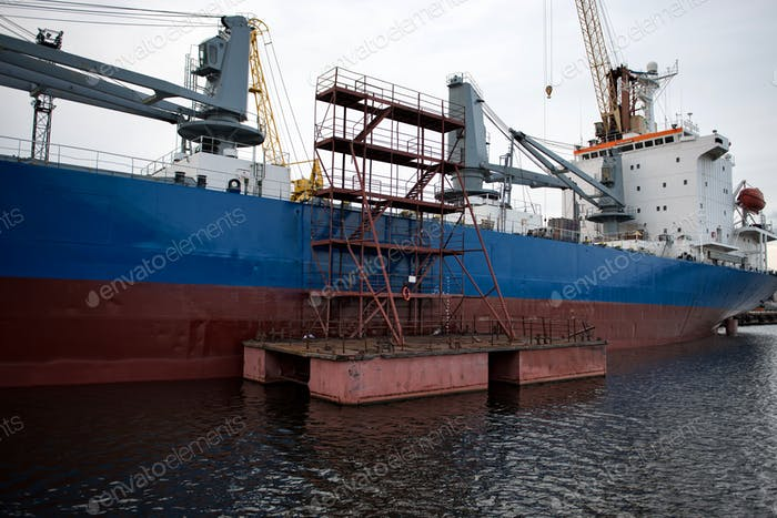 The ship hull painting works.