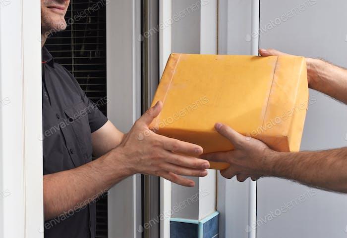 Lieferung des Pakets