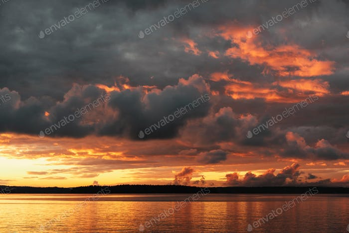 Dramatisch Sonnenuntergang
