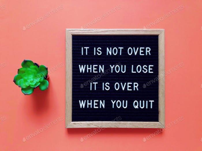 Kündige niemals auf