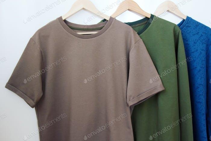 Herren-T-Shirts und Sweatshirts