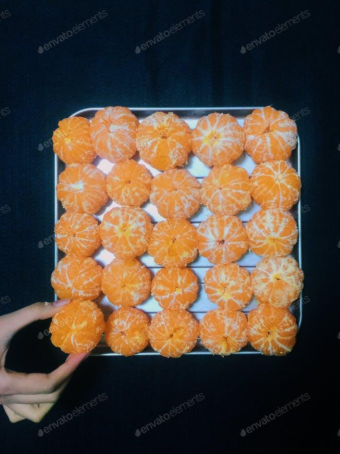 // naked oranges //