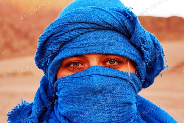 Blue scarf face