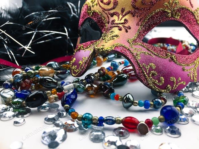 Mardi Gras Masken entstand in rituellen Feierlichkeiten