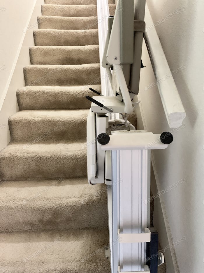 Mobility chair for stairs