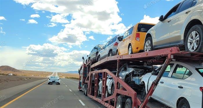 ¡ Carreador lleno de vehículos! Transporte y Logística! NOMINADO!!