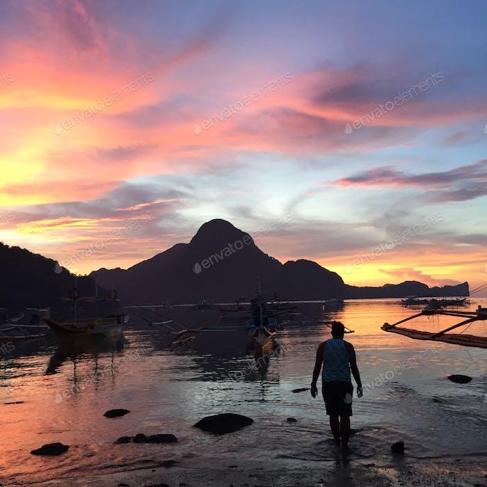 The beautiful sunset of El Nido, Palawan