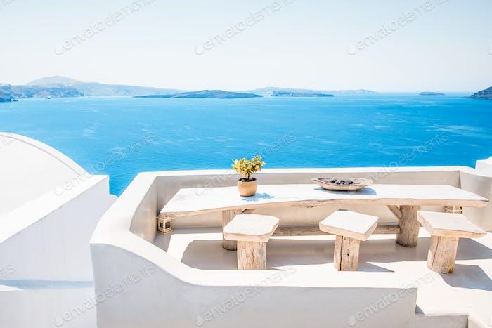 Sommerbalkon In Berühmten griechischen Insel Santorini In Kykladen