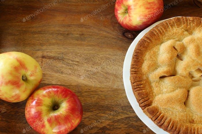 Apple pie with apples