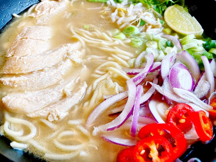 Chicken ramen noodles 🍜 Asian fusion food 🍜