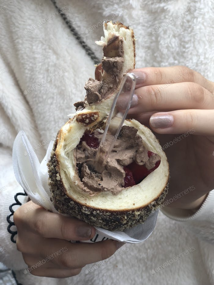 Ice cream in Czech chimney cake