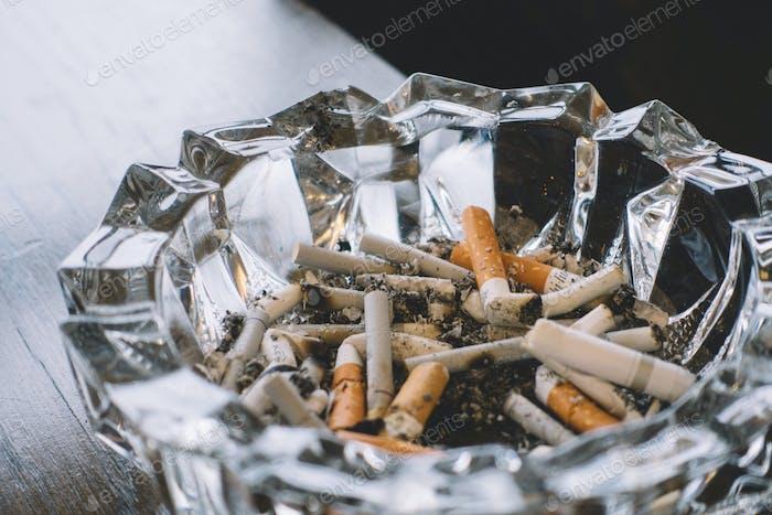 Cigarette tray