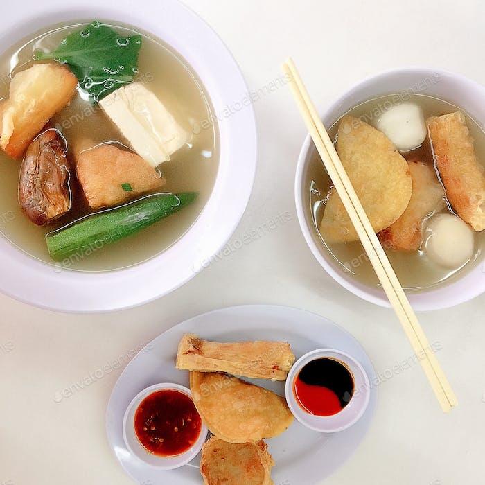 Mi comida favorita es Steamboat o Yong Tau Fu con diferentes tipos de bolas de pescado
