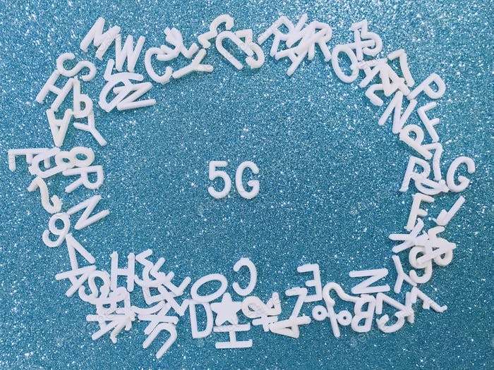 5G analysis on blue background
