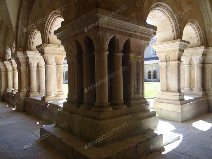 Alte Architektur, Säulen