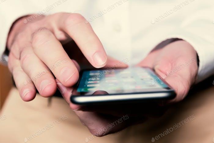 Uso de aplicaciones en el teléfono inteligente