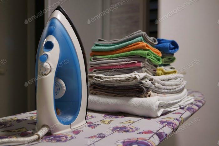 Gestapelte Wäsche